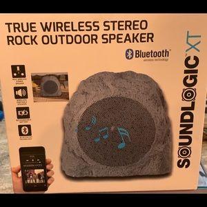Wireless stereo rock outdoor speaker new